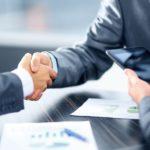 Jak wybrać korzystny kredyt chwilowy?
